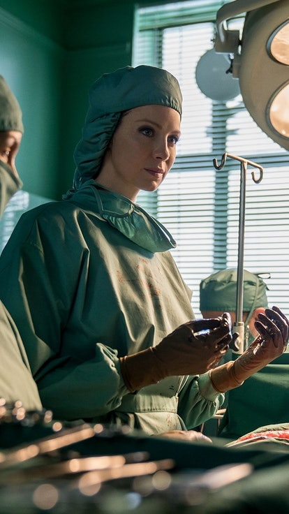 Assessing Claire's Most Unconventional Healing Methods On 'Outlander'