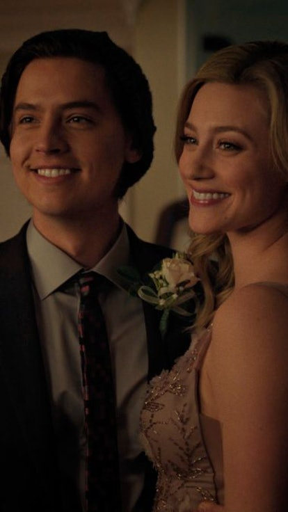 This Bughead Detail Involving Jughead's Jacket Could Mean 'Riverdale' Endgame