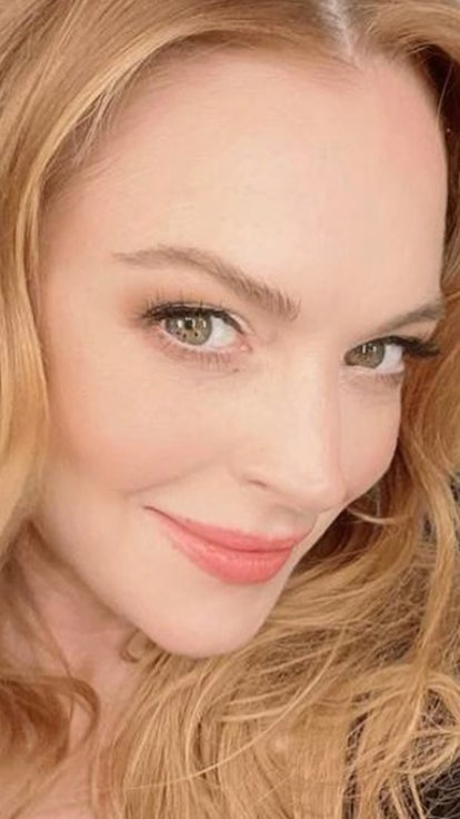 Lindsay Lohan's New Netflix Rom-Com Sounds Totally Unhinged & Perfect
