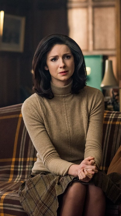 Who Knows That Claire Can Time Travel On 'Outlander' & How It Could Threaten Her Family's Future