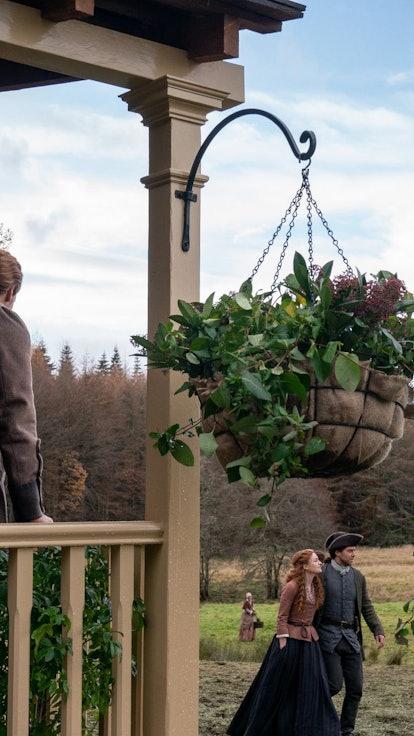 The Leaked 'Outlander' Season 6 Episode Titles Tease Patriotism & Worlds Turning Upside Down